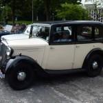 Sunday run start - Wolseley Owners Club - 1935 Wasp